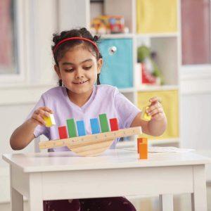 """צעצוע ללמידה על איזון בצבעי הקשת """"Melissa & Doug"""" מונטסורי"""