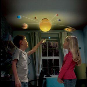 """מערכת השמש ענקית עם שלט  """"Brainstorm"""""""