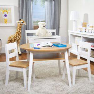 """סט שולחן עגול ו 2 כסאות מעץ """"Melissa & Doug"""""""