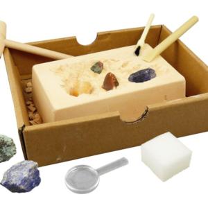 """ערכה לחפירת סלעים ומינרלים """"BUKI"""", צרפת"""